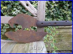 Bird design chopper rare unique rusty farm kitchen shop hobby collector